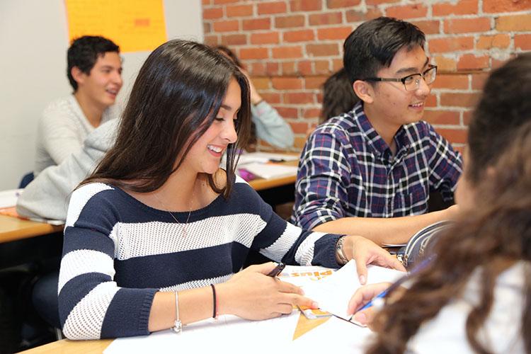Plus_Classes-Classroom