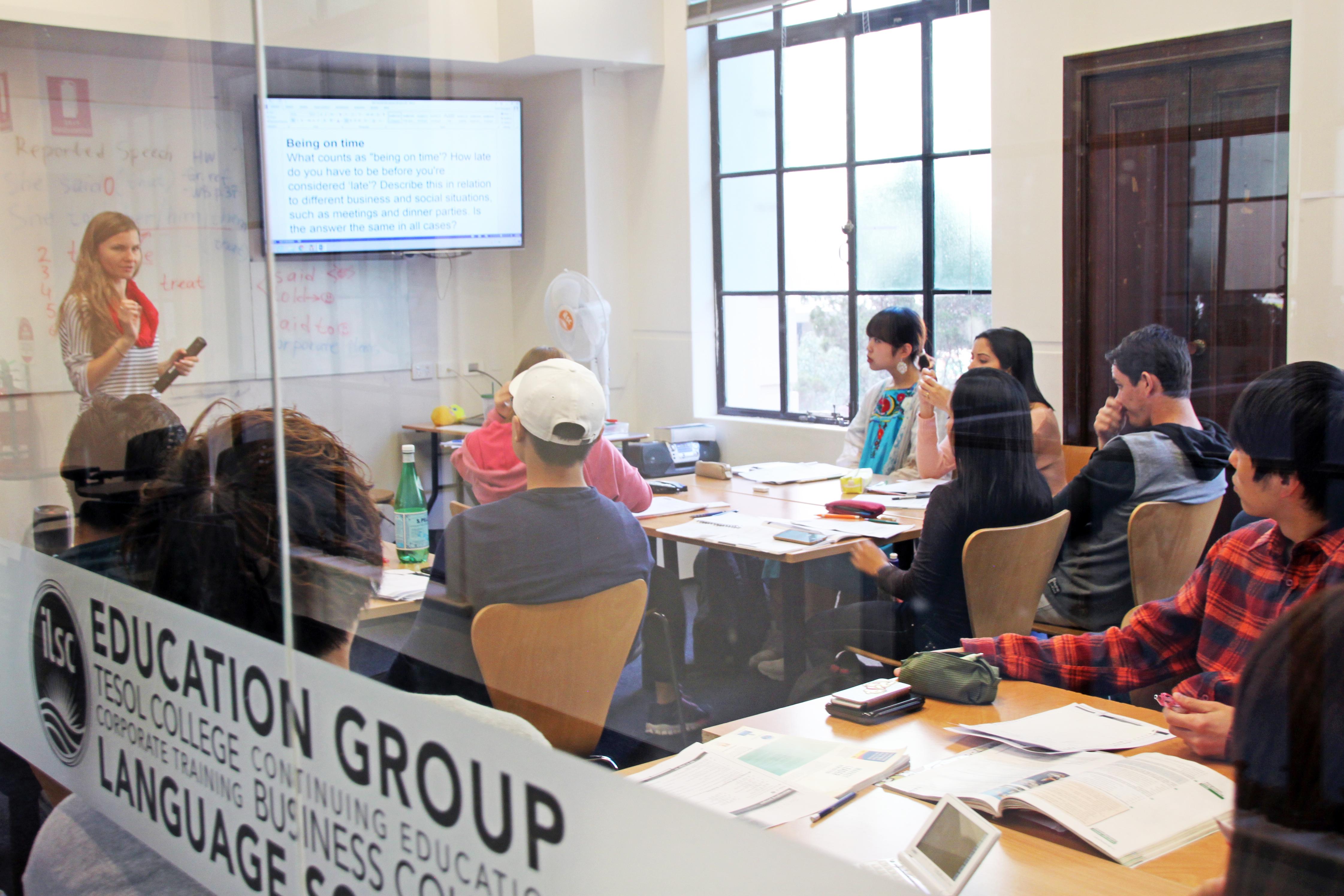 ilsc-brisbane-campus-classroom-1