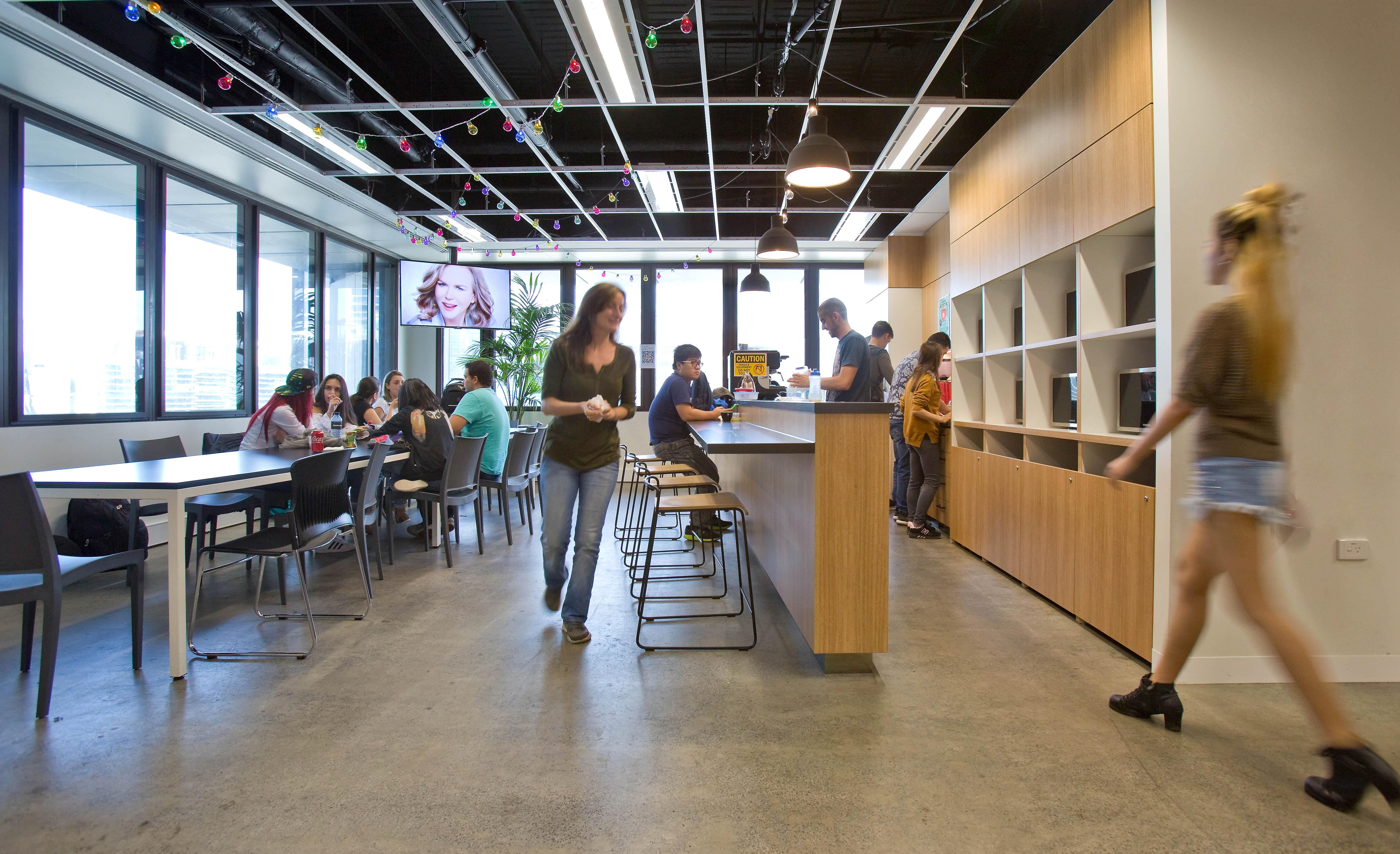 ilsc-melbourne-campus-kitchen-3