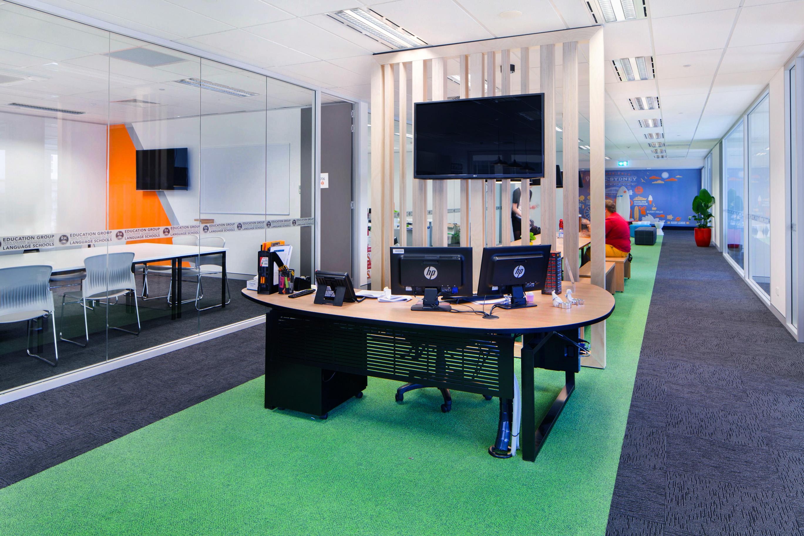 ilsc-sydney-campus-activity-desk