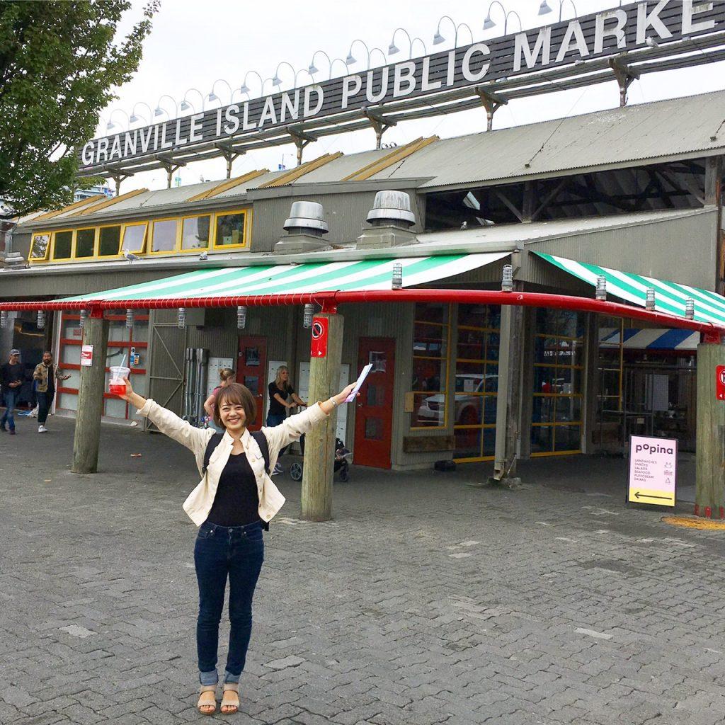 グランビルアイランドマーケットで記念撮影