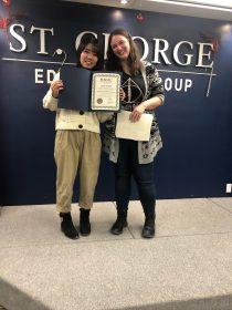 AyaさんとSGICの先生のツーショット写真
